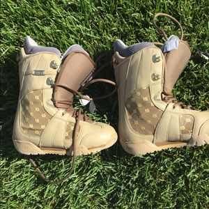 Other - Burton Emerald Ladies snowboard boots